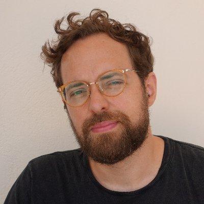 Portrait photo of Simon Plenderleith
